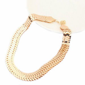 Jewelry - Signature gold necklace